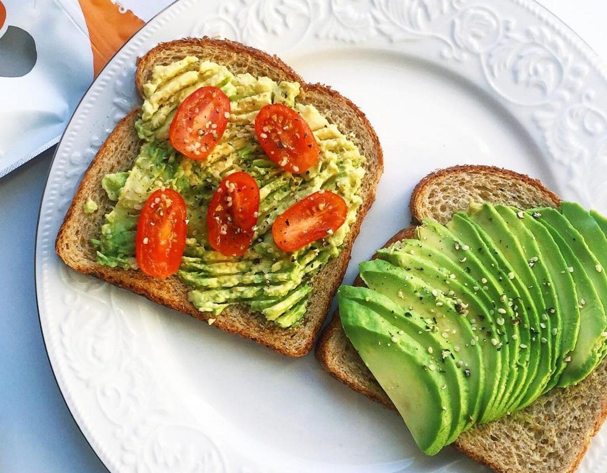Smashed avocado on toast